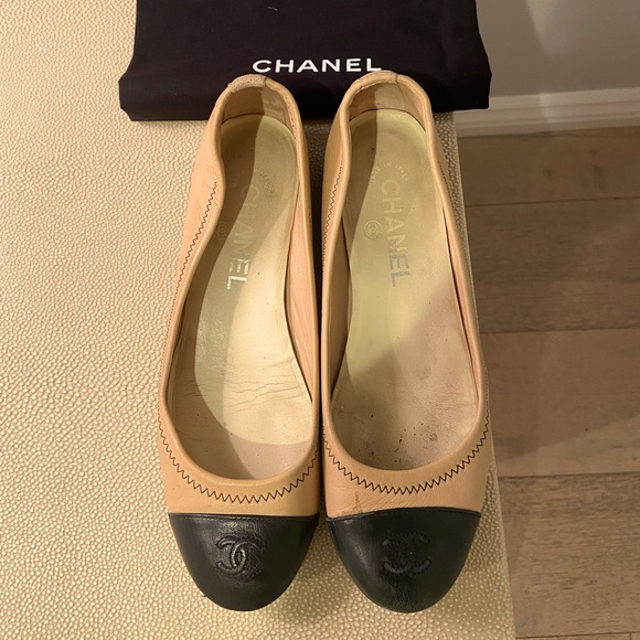 Authentic leather Chanel flats size 36 1/2